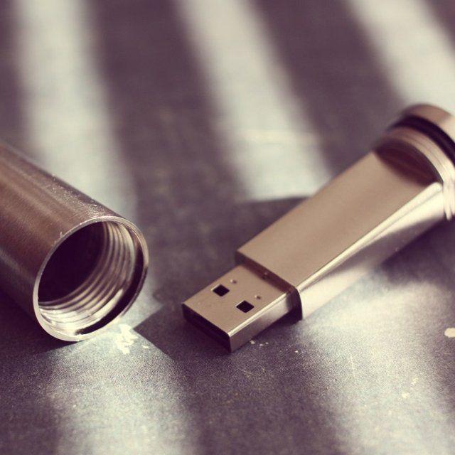 Lifeproof USB Flash Drive