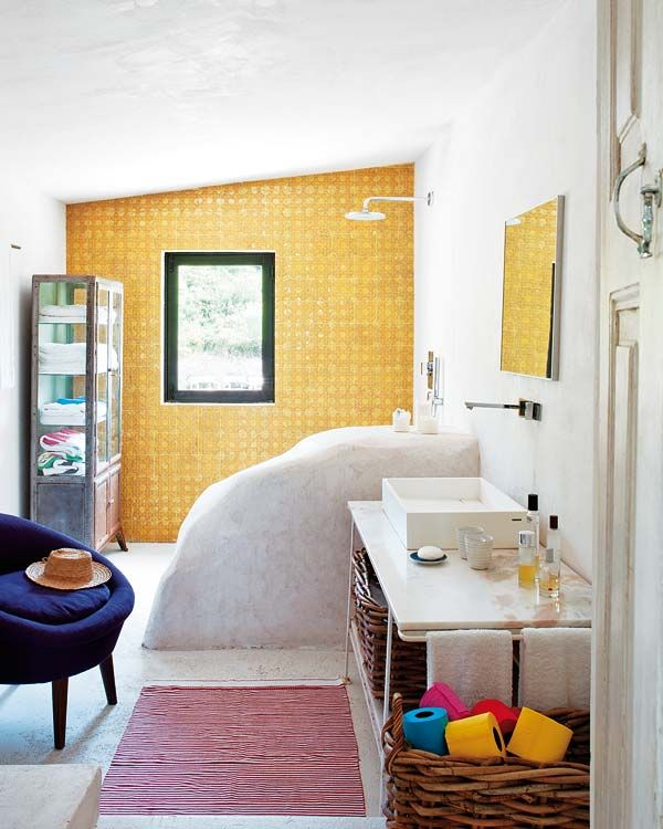 natural divider. gold tiles. awesome. via nuevo estilo