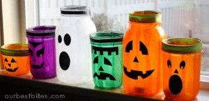 I can't get enough of mason jar crafts!! These Lively Halloween Lanterns are absolutely adorable, and they're SO easy to make!