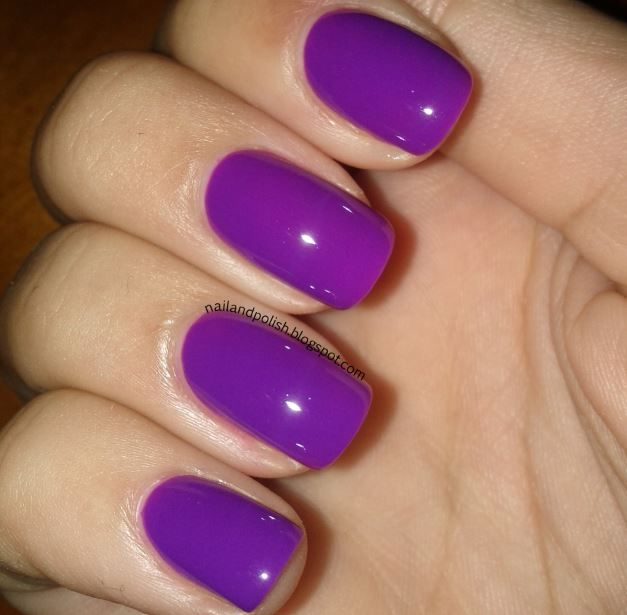 Essie - DJ Play That Song- wearing now and lovin Essie Dj Play That Song