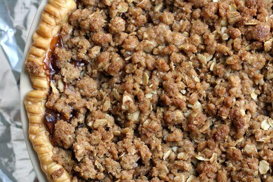 cinnamon crumble apple pie - recipe from Allison - I am sure mine did ...