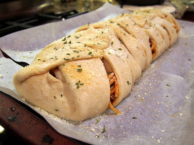 Spaghetti Stuffed Garlic Bread. | Fall/ Winter Dining & The Comfort F ...