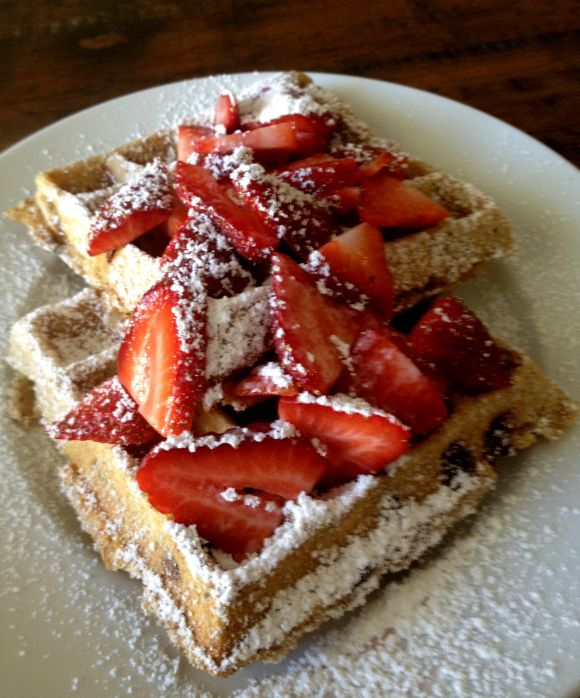 Oatmeal Chocolate Chip Waffles | Breakfast Ideas | Pinterest