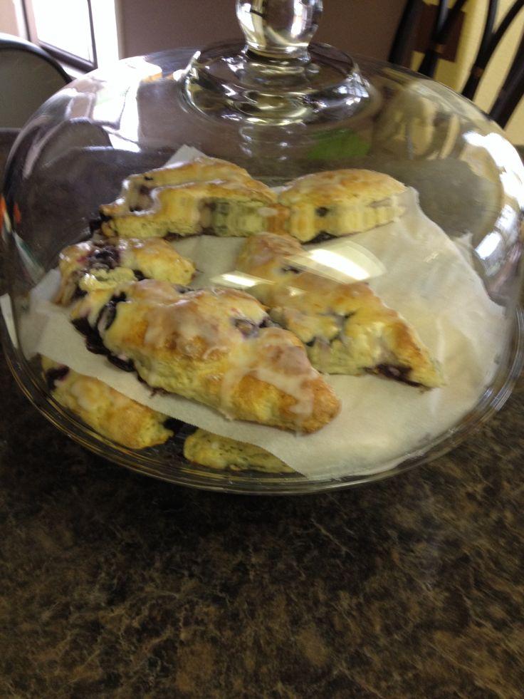 Blueberry scones with lemon glaze | Food | Pinterest