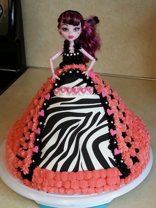 MADDIE'S MONSTER HIGH CAKE