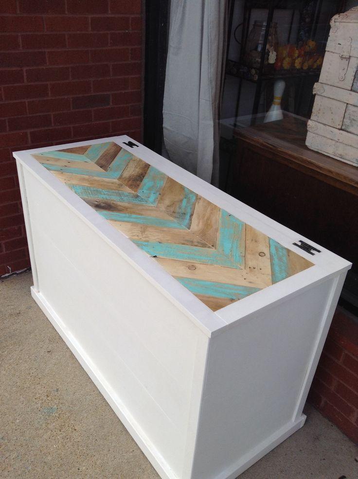 Custom made Repurposed reclaimed wood pallet trunk ..herringbone ...