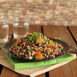 Black eyed peas and caramelized carrots salad (in Greek with ...
