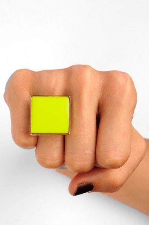 Neon Yellow Fashion Statement Ring ☻                                                                                                                                                                  ⇜•ṄεΦЙ❉€яᗛƶΣ•⇝