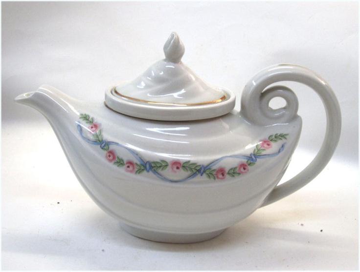 1940 39 s hall china teapot aladdin shape wildfire pattern garland of ro - Aladdin teapot ...