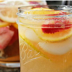 White Zinfandel Sangria | bottoms Up! | Pinterest