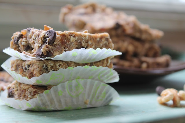 Oatmeal Chocolate Chip Breakfast Bars | Deliciousness to be had | Pin ...