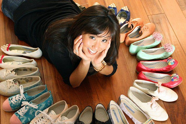 online fashion store Malaysia - can have diamonds & U Can have Men, But Darling it's the SHOES that are a Girl's Best Friend…!!