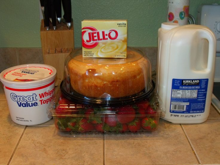 food cake trifle with vanilla pudding | angel food cake, strawberries ...
