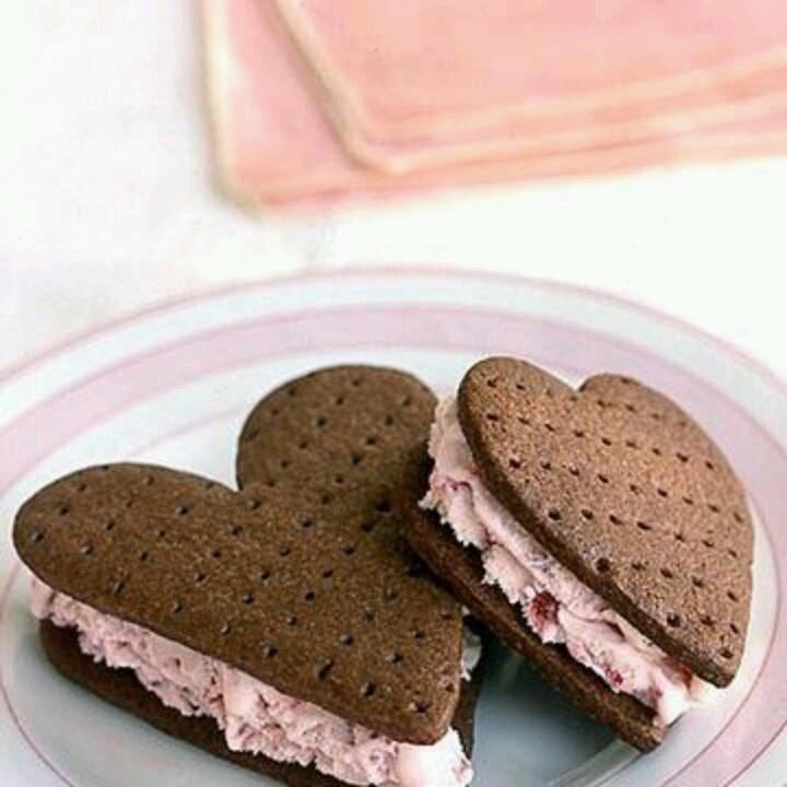 Ice cream sandwiches | Happy Valentine's Day! | Pinterest