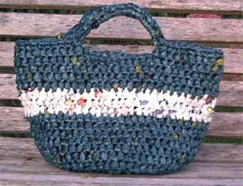 The Crochet Foyer: The Cutest Plarn Grocery/Beach Bag