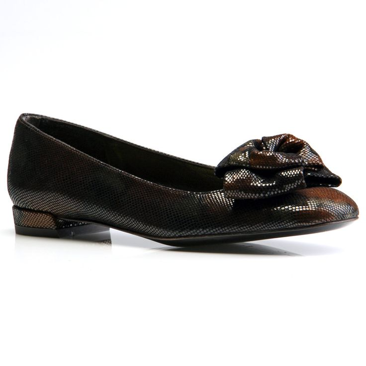 Stuart Weitzman | Boalilo | Style comes in every size at www