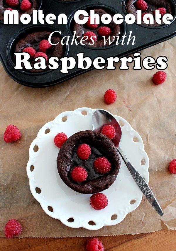 Suklaapandan keittiössä: Molten chocolate cakes with raspberries