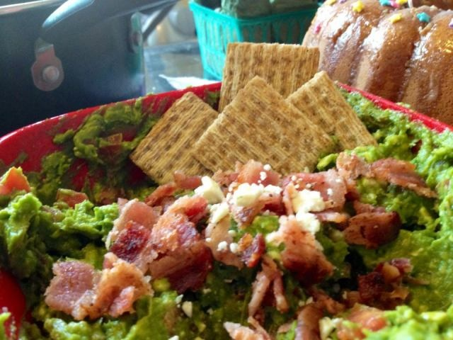 Vyvacious || Bacon Blue Cheese Guacamole Dip