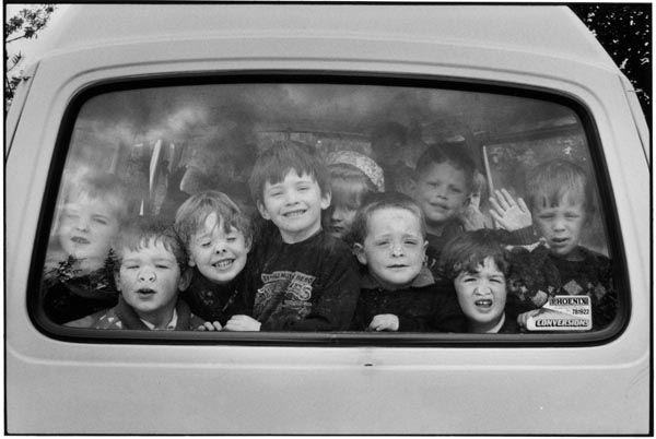 Ecco arrivato il celebre Elliott Erwitt ha ritratto il # # Sorriso dei bambini