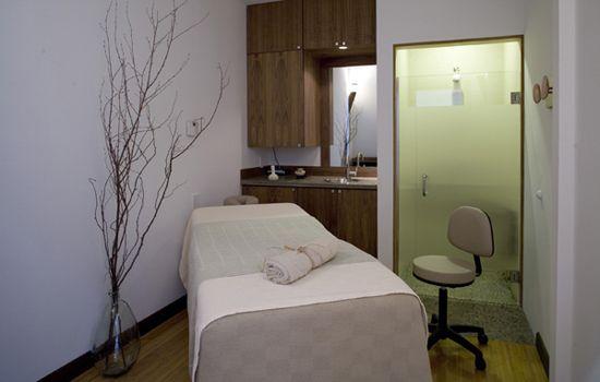 Spa treatment room interior design treatment room ideas for Spa treatment room interior design