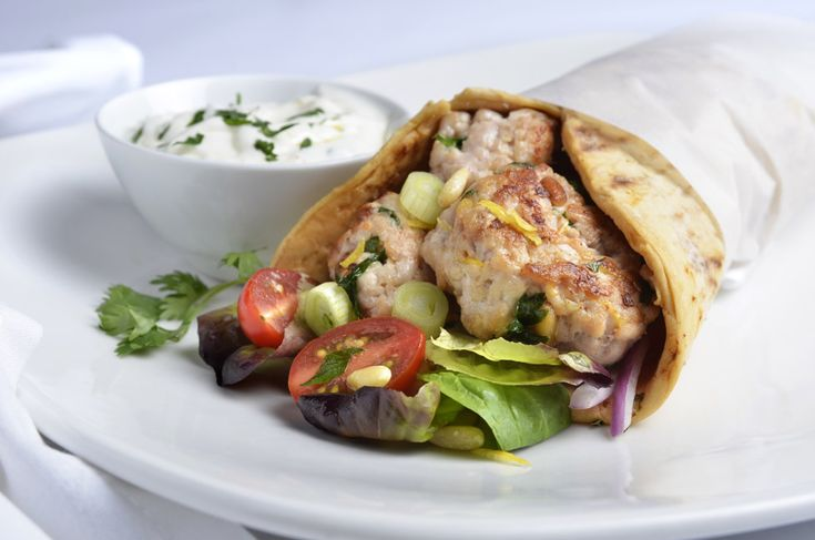 Middle Eastern Ground Turkey Pitas | Yum Yum! | Pinterest