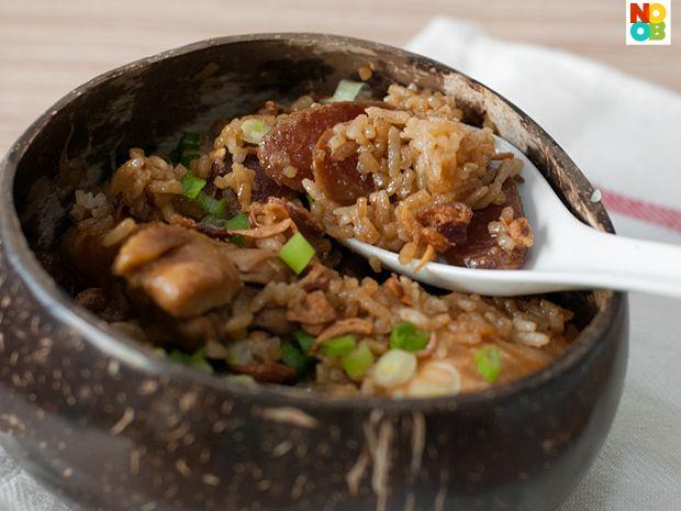 """Claypot"""" Chicken Rice (Rice Cooker Recipe)"""
