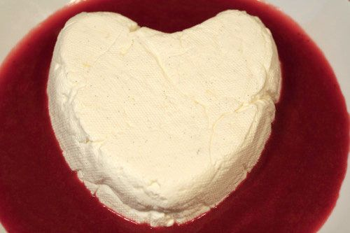 ... in a Flash: Sweet Valentine's Coeur a la Creme with Strawberry