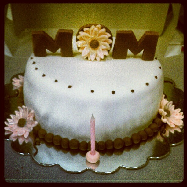 Pictures Of Birthday Cake For Mothers : Mother birthday cake Dani_Bakes.Cup-CAKES Pinterest