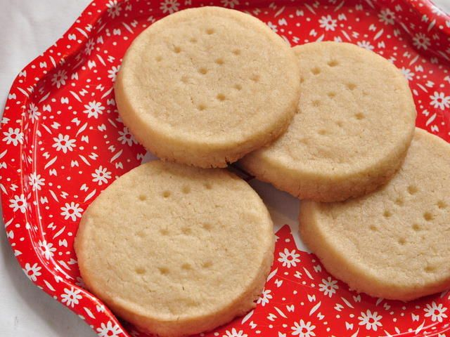 vanilla shortbread cookies - The Domestic Mama & The Village Cook