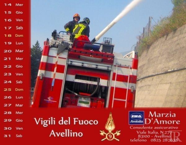Avellino, i Vigili del Fuoco presentano il calendario 2013