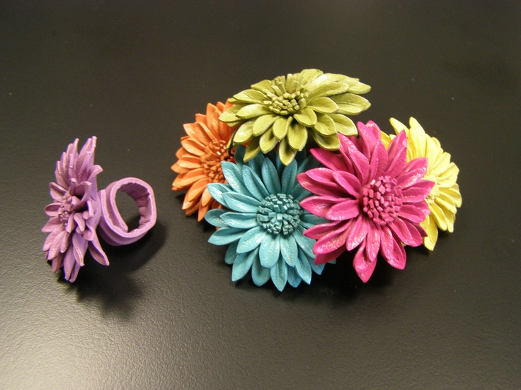 A bright bouquet of leather sunflower rings.