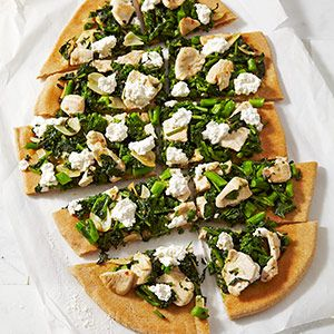 Broccoli Rabe & Chicken White Pizza: Trying with my own twist. Ricotta ...