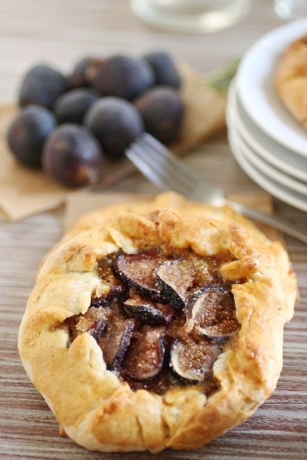 fig and almond pastry galette | BREADS, DOUGHS, etc... | Pinterest