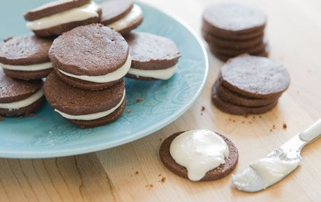 Chocolate Sandwich Cookies with Peppermint Frosting | Recipe