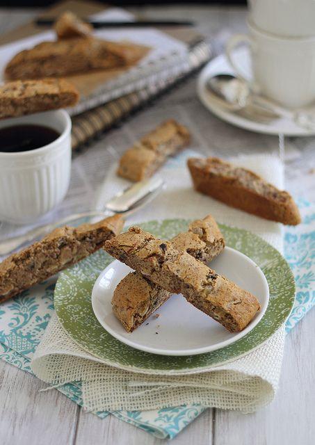 Paleo Ginger Almond Biscotti #dairyfree #glutenfree