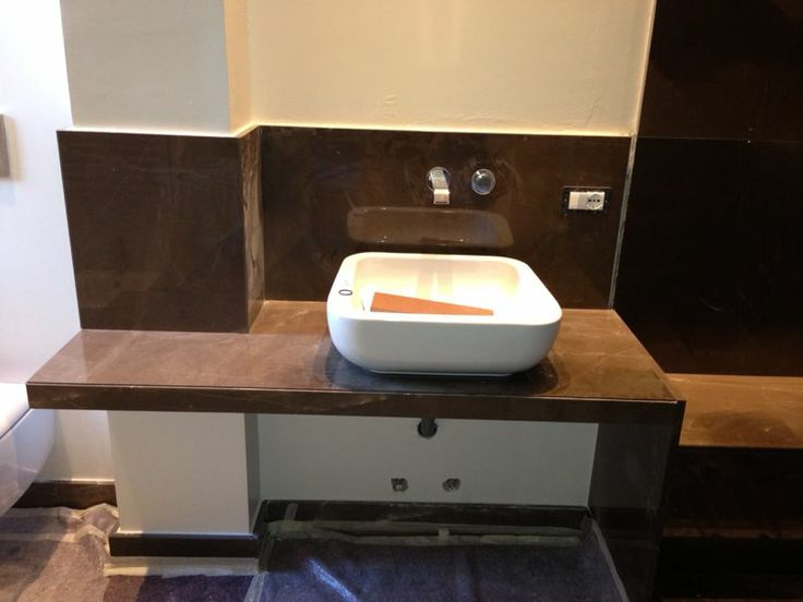 Rivestimento bagno in Gris Pulpis lucido  Contract we ...