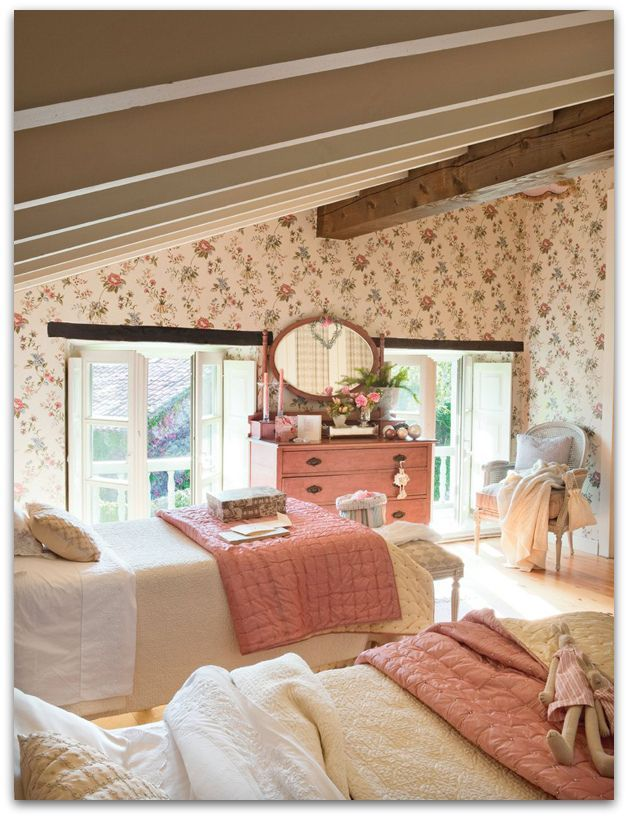 Cozy cottage guest bedroom pure cottage home pinterest for Cottage bedroom ideas photos