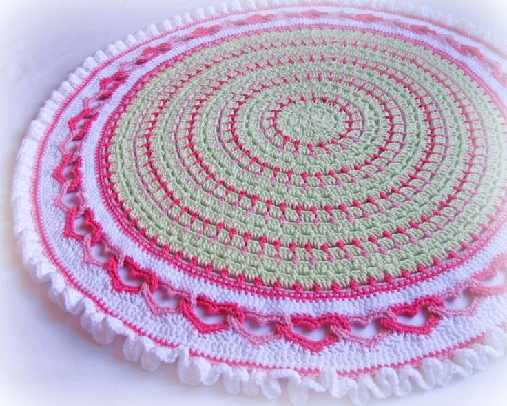 Crochet Baby Blanket Patterns Round : CROCHET PATTERN - Baby Love - a round baby blanket with ...