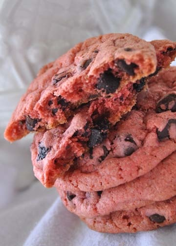 Cherry Chocolate Chip Cookies | Invent Edibles | Pinterest
