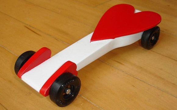 Ahg pinewood derby red heart car