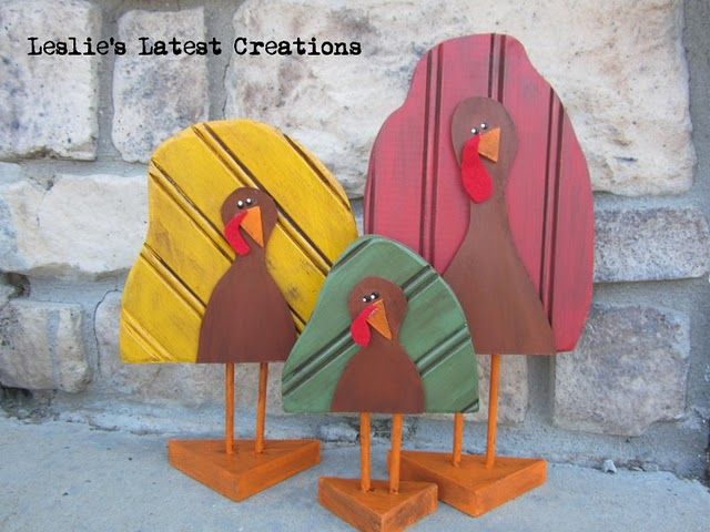 bead board turkeys- Thanksgiving decor DIY