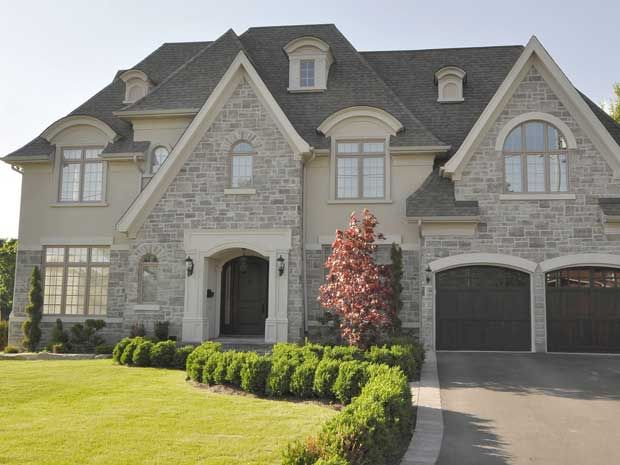 The stone close to and manor houses on pinterest for Stucco and stone exterior