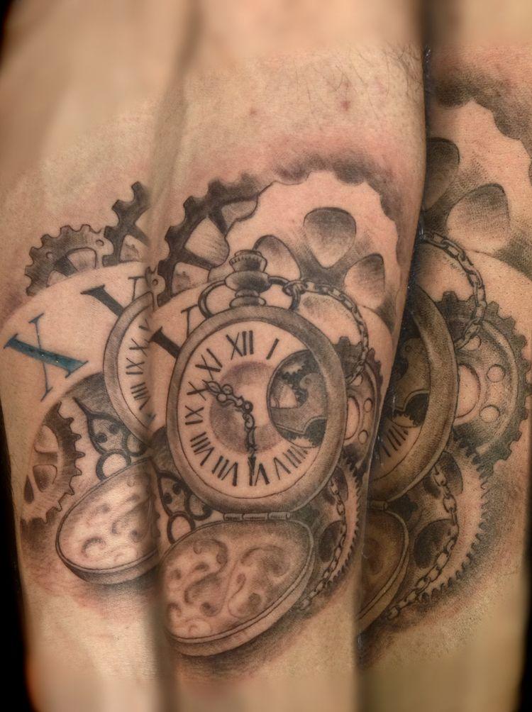 Plus de 1000 id es propos de tatouage montre gousset avant bras sur pinterest tatouages de - Tatouage chiffre romain avant bras ...