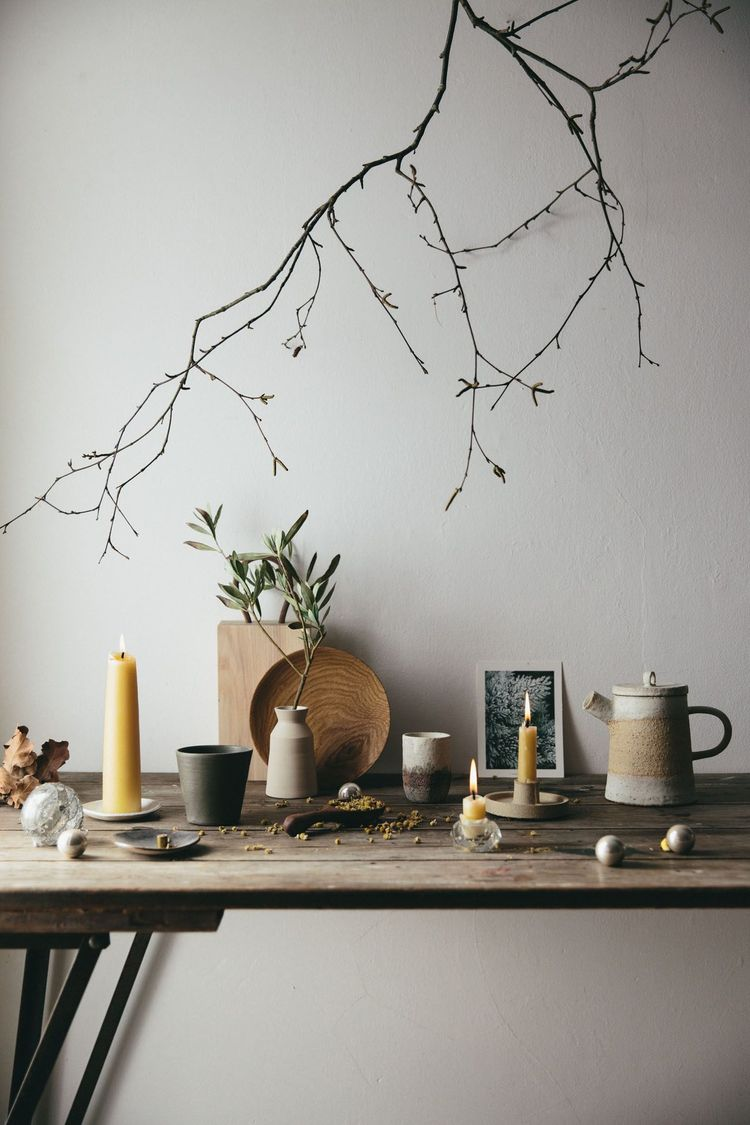 All the details for creating a rustic Christmas display..