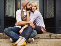 Strike a Pose: Engagements & In Love Sessions
