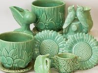I collect McCoy pottery and I ❤white vintage pottery!
