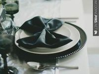 We love the simultaneously graphic and classic combo of black and white. The deceptively simple combo is the perfect compliment to an elegant wedding affair.