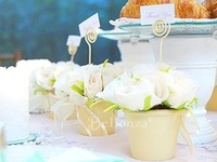 Creative ways to show your guests' place cards and escort cards!