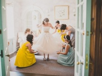 All the pretty lil details (wedding photo inspiration}