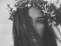 Hippie. Hipster. Boho chic. Bohemian. Flowers. Freedom.  Follow me on Instagram @cher_risse
